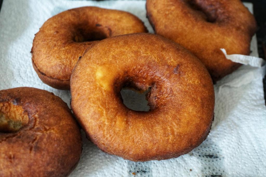 Easy Cake Doughnuts