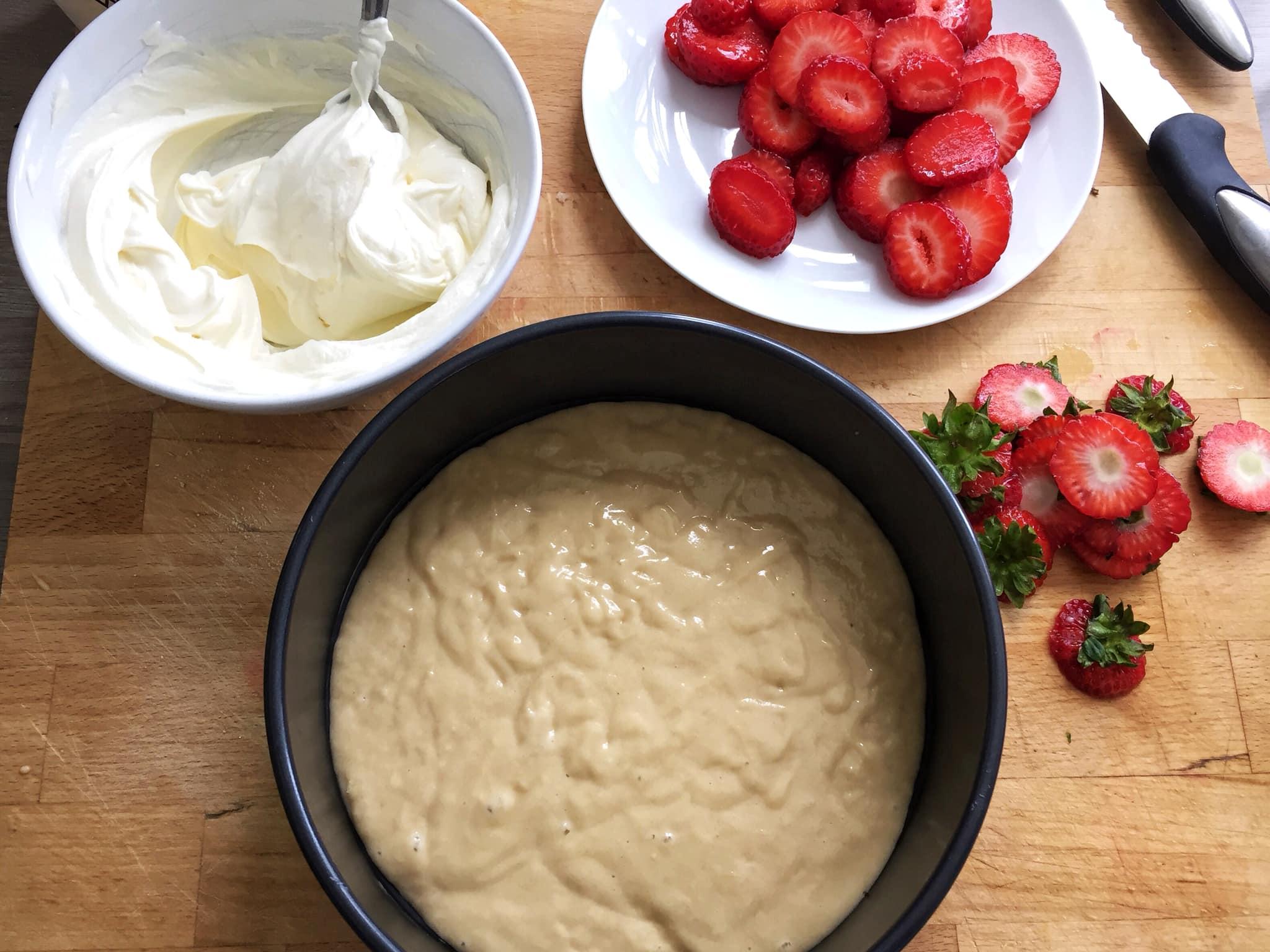 草莓金寶蛋糕 2