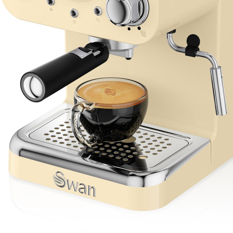 Review: Swan Retro Pump Espresso Coffee Machine SK22110CN